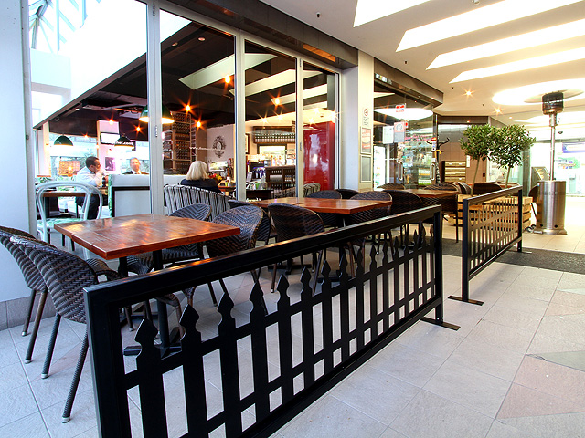 HCDS_Cafe_Barriers